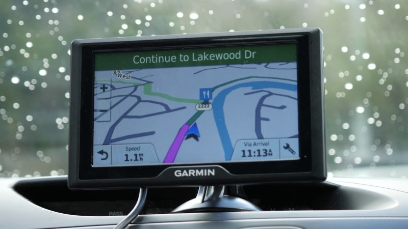 Garmin Drive 50 USA LM GPS Navigator System Lifetime Maps, Spoken Turn Turn Directions, Direct Access, Driver Alerts Foursquare Data