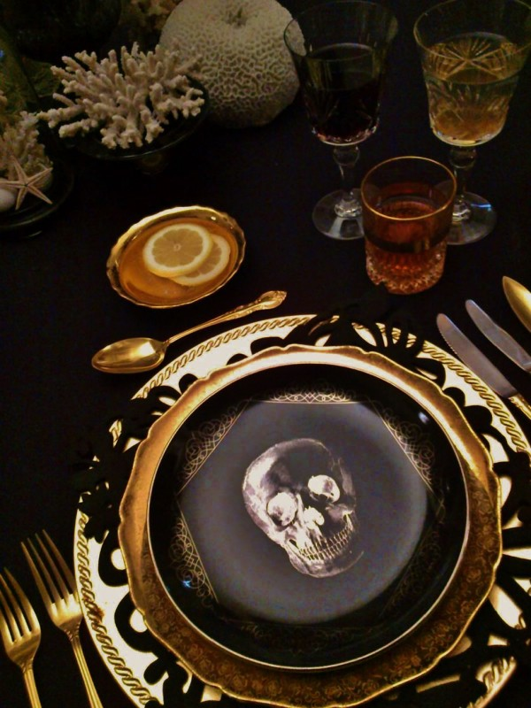 20 Ideas For Halloween Table Decorations That Are Stylish And Spooky