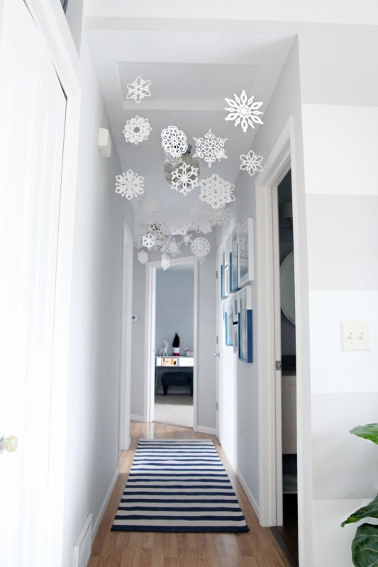 27 Best Holiday Decorating Ideas For Small Spaces