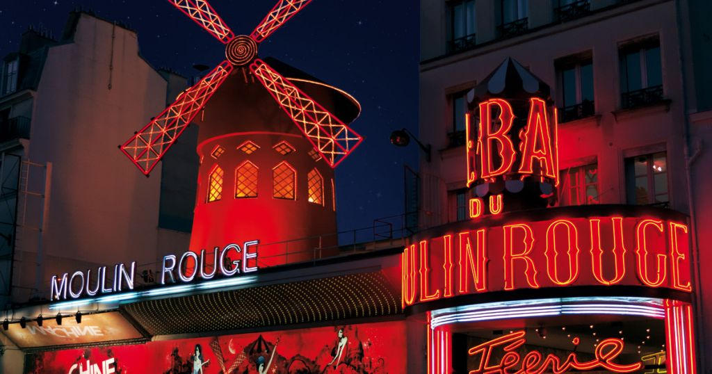 Paris: Moulin Rouge Show with Champagne