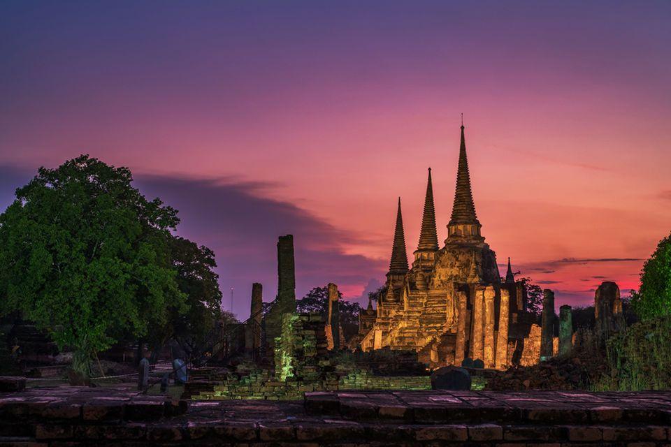 From Bangkok: Ayutthaya Temples & Floating Market Day Trip