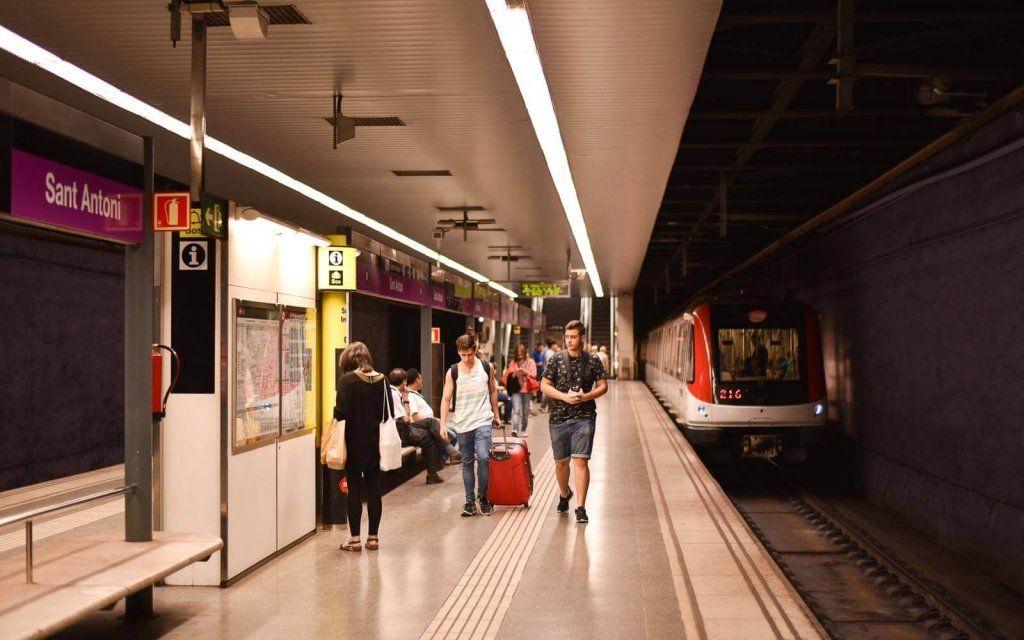 Hola BCN: 48, 72, 96 or 120-Hour Public Transport Ticket